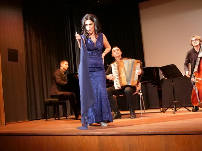 """ich the Ensemble """"Terra del Sole"""", Pianist Enrico Tricarico, Akkordeon Alessandro Gazza"""